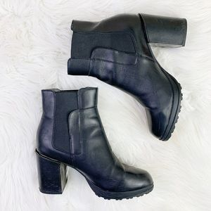 Jambu Anita leather water resistant black booties